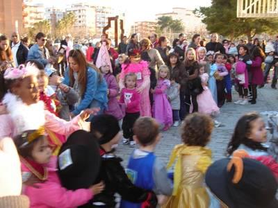 Els nens i nenes de Salou celebren el carnaval amb el Club Xic's