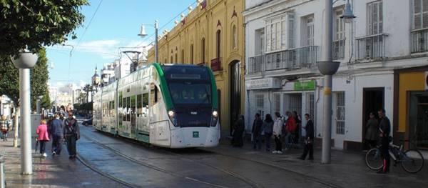 Es descarta la segona estació al costat de l'Hotel Regina i Salou aposta  per la creació del tren-tram en el traçat de l'Eix Cívic