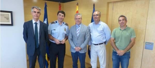 L'Ajuntament de Salou lliura el pin de plata pels 25 anys de treball a l'administració al cap de la Policia Local