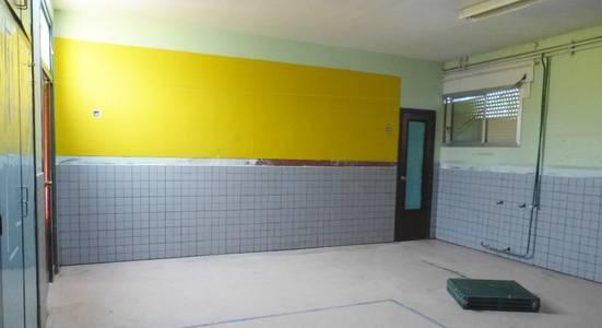 L'Ajuntament de Salou renova l'enrajolat de la cuina i dels arrambadors de les aules de la planta baixa, de l'ala sud-oest, de l'Escola Europa