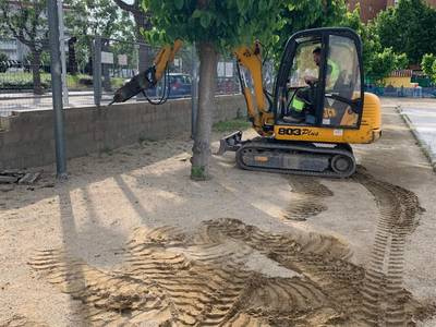 L'Ajuntament de Salou renova una part del tancat perimetral de l'Escola Europa
