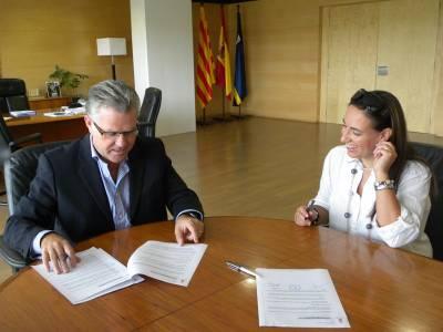 L'Ajuntament de Salou signa el contracte de la Llar d'infants municipal 'La Balena Blava'