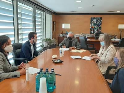 L'Ajuntament de Salou signa un conveni amb el Grup de Dones i l'Institut Jaume I per elaborar una Guia de Bones Pràctiques per a la recreació històrica de la Festa del Rei Jaume I