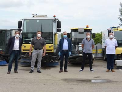 L'alcalde de Salou, Pere Granados, visita l'empresa Urbaser i agraeix als responsables i treballadors l'eficàcia de les tasques de neteja i desinfecció de la via pública durant la pandèmia de la COVID-19