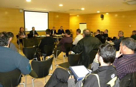 L'alcalde de Salou presenta els projectes de futur en matèria d'esports a les entitats esportives