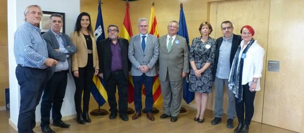 L'alcalde de Salou rep als responsables del XVII Congrés biennal de la UECoE on han intercanviat punts de vista sobre el món de l'educació