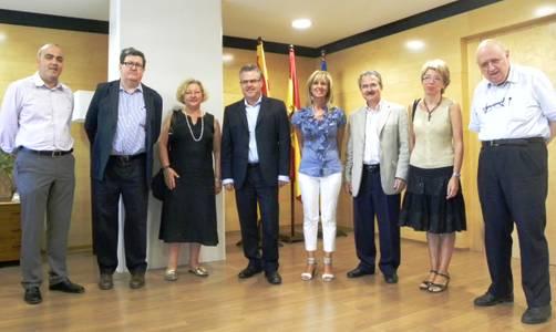 L'alcalde de Salou rep el Jurat dels Premis de Recerca Pictòrica Jose Luis Rubio Saez