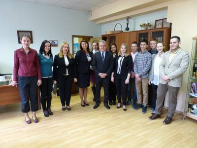 L'alcalde de Salou visita l'escola Miguel Hernández de Moscou