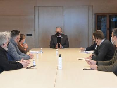 L'alcalde Pere Granados es reuneix amb la presidenta de l'Associació de Veïns Salou Est per tal de tractar sobre temes de manteniment i equipaments