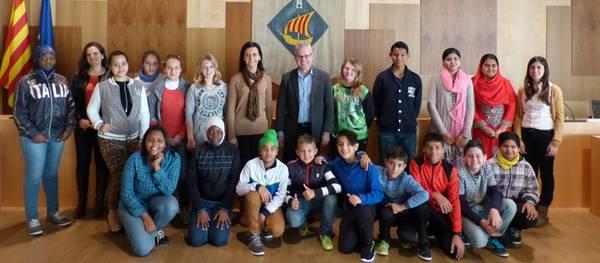 L'alcalde rep una vintena d'alumnes nouvinguts de l'IES Marta Mata de Salou