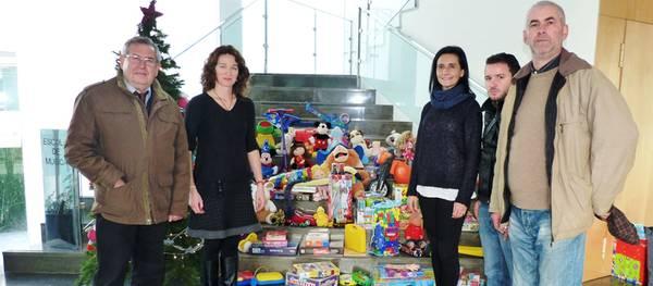 L'Escola de Música de Salou lliura per quart any consecutiu joguines a Cáritas Salou