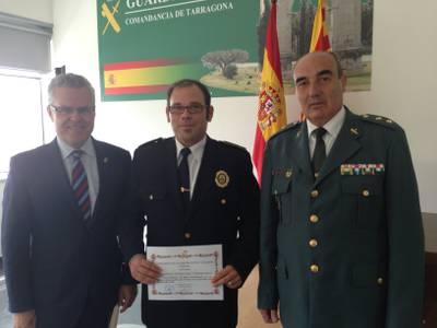 La Guàrdia Civil distingeix al caporal de la Policia Local de Salou Eusebio Fernández