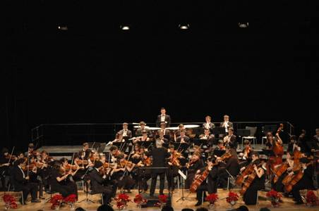 La JONC arriba al Teatre Auditori de Salou sota la direcció de Karl Anton Rickenbacher