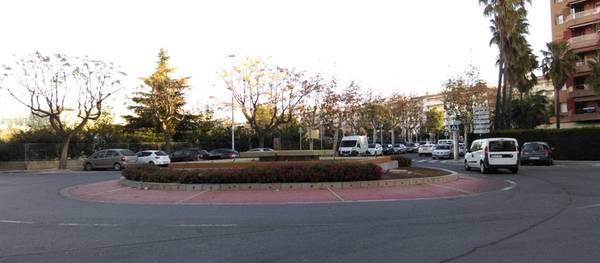 La Junta de Govern acorda renovar el paviment de la calçada de la plaça Francesc Macià i de la Via Roma