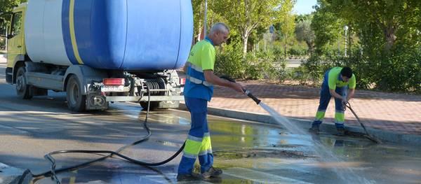 La Junta de Govern Local destina 12.000 euros addicionals en neteja per tal de tornar a la normalitat els carrers de Salou després dels aiguats