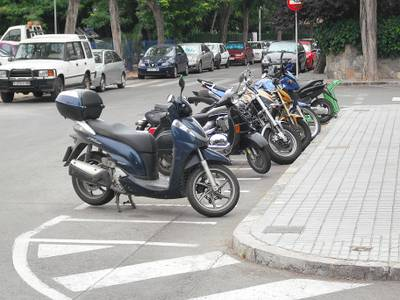 Campanya_motocicletes_i_ciclomotors._Places_destacionament.JPG