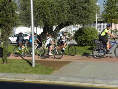 La Policia Local de Salou organitza bicicletades escolars per posar en pràctica els coneixements dels alumnes d'educació viària