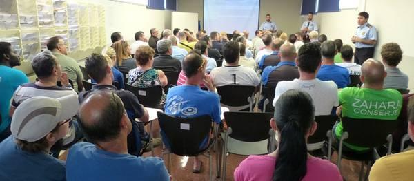 La Policia Local de Salou organitza una xerrada als conserges i administradors de finques del municipi