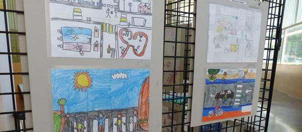 La Policia Local inaugura una exposició amb els dibuixos finalistes del concurs d'educació viària a les escoles