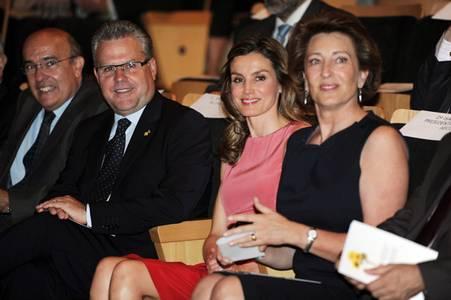 La princesa Letizia recorda junt amb l'AECC a Salou la importància de tenir cura de la pell per prevenir el càncer