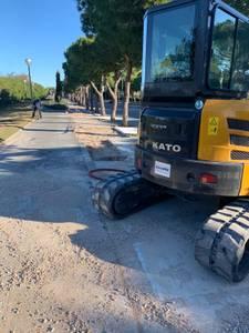 L'Ajuntament de Salou duu a terme els treballs de reparació de la vorera a l'Avinguda del Batlle Pere Molas, per millorar l'accés i la mobilitat de les persones