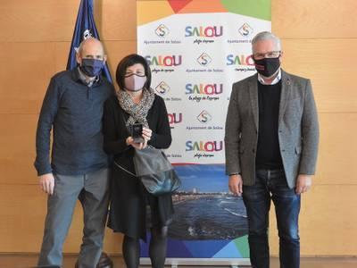 L'Ajuntament de Salou ret homenatge a la treballadora municipal Maria Teresa Gil Llaveria amb motiu de la seva jubilació