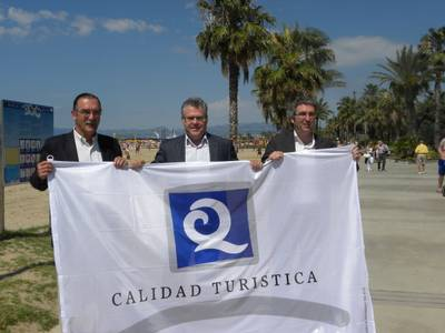 Les platges de Salou renoven la bandera Q per segon any consecutiu