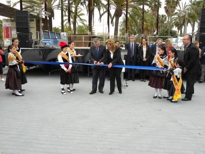 Més de trenta associacions de Salou es concentren a la segona edició de la fira d'entitats