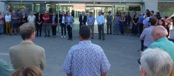 L'Ajuntament de Salou es manifesta per rebutjar la violència viscuda ahir a Catalunya