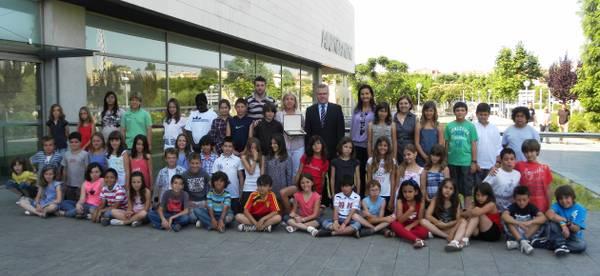 Recepció als alumnes de l'Escola Salou, guanyadors del premi Baldiri i Reixac