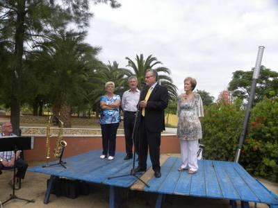 Salou rep una seixantena de persones de l'Associació d'Alzheimer de Lleida al Jardí Botànic