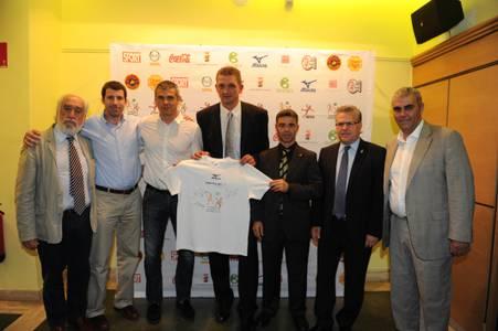 Un espectacle de música i foc donarà la benvinguda als jugadors de la Salou Cup 2011