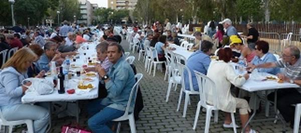 Un miler de salouencs celebren el dia gran de les festes de la Segregació amb una paella popular