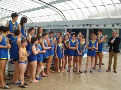 Una seixantena de nens i nenes participen al torneig 'Llança't a Nedar' del Club Natació Salou