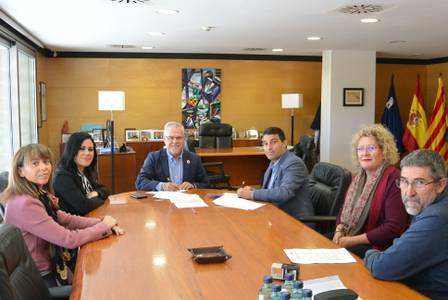 El Ayuntamiento de Salou y la Creu Roja continuarán colaborando con el servicio de teleasistencia domiciliaria este 2020