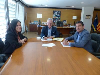 El Ayuntamiento de Salou y la Cruz Roja continuarán trabajando en el Servicio de Teleasistencia Domiciliaria
