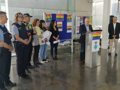Salou se suma al día internacional contra la LGTBIfòbia