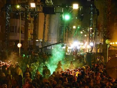 GALERÍA DE FOTOGRAFÍAS: Unas 35.000 personas disfrutan del Cós Blanc 2020 en Salou