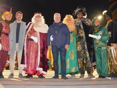La magia de Sus Majestades los Reyes de Oriente atrae a miles de niños y niñas en Salou