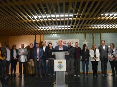 Felicitación de las fiestas navideñas a los trabajadores y trabajadoras municipales y homenaje al conserje del Mercado, Francisco Rodríguez Yeste, jubilado este año