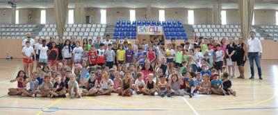 150 niños y niñas disfrutan del verano en la Escuela Deportiva de Salou
