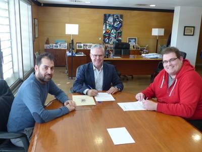 El Ayuntamiento apoya el Club Bàsquet Salou por hacer de embajadores del municipio en la Liga EBA