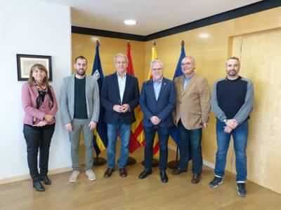El Ayuntamiento de Salou homenajea a Juan Hernández Ruiz, por sus 25 años de servicio en el Departamento de Deportes