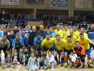 El equipo Ferrellar gana la final de las 24 horas de fútbol sala de Fiesta Mayor