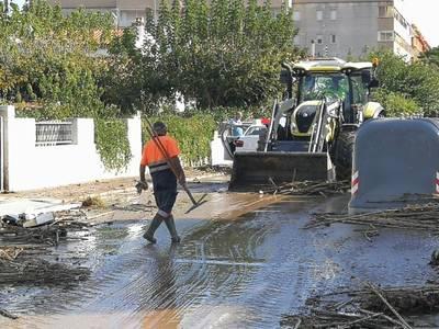 Salou atiende una treintena de afectados por las dos inundaciones del barranco de Barenys de este octubre