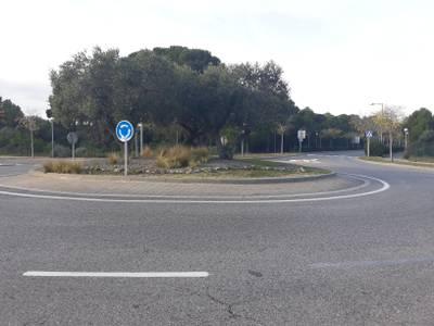 Salou remodela las rotondas centrales de la avenida del Pla de Maset