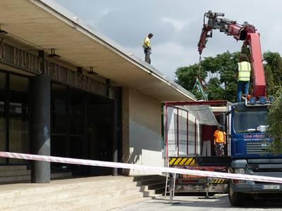Se inician las obras de mejora de la cubierta del pabellón polideportivo de Salou