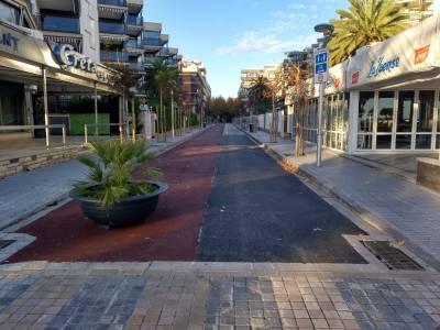 Se inician las obras de pavimentación del carril bici de la C/ Josep Carner