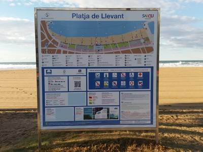 El Ayuntamiento de Salou continúa con los trabajos de mantenimiento y mejora de las playas del municipio