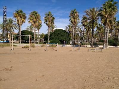 Salou instalará ocho nuevos juegos de calistenia en la playa de Levante